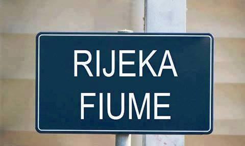 Indicazioni anche in italiano nella città croata di Fiume